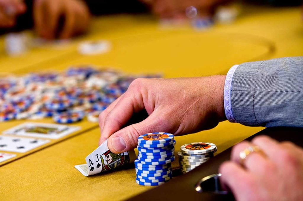 Advancement in Hold'em poker